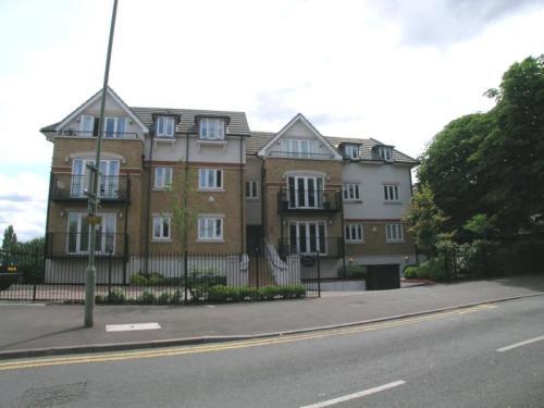 4 Weir Court, Weir Court, Thames Street,...